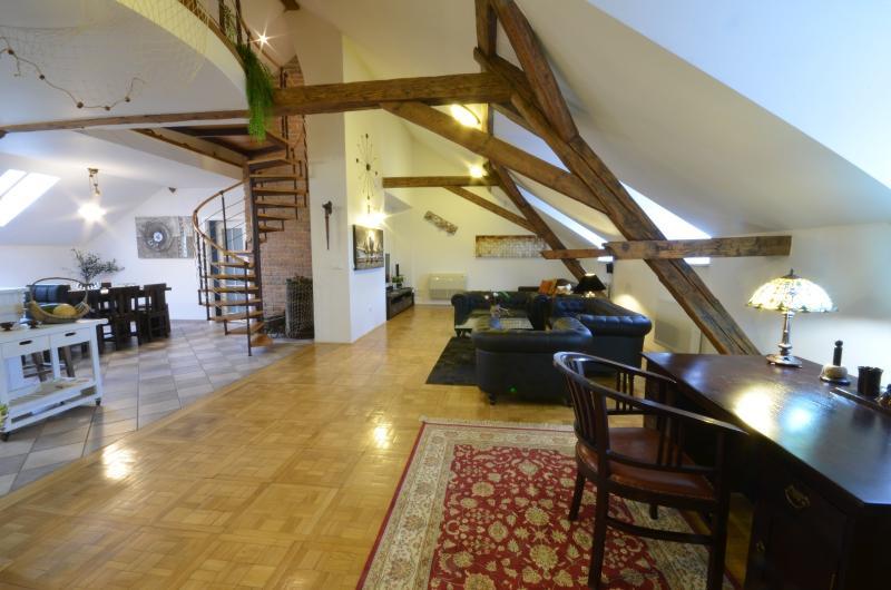 Attic Hastalska Luxury Three Bedroom Apartment Updated
