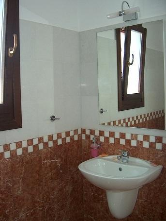 Upper floor shower room