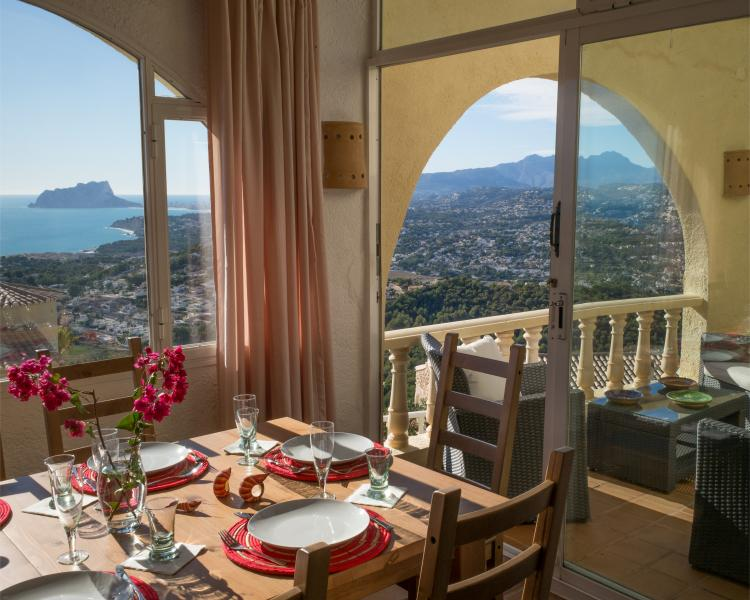 A fantastic view of Costa Blanca's coast and mountains is just natural while staying at Casa Inca