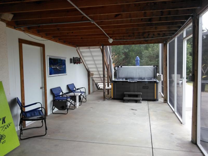 screen room optional hot tub rental