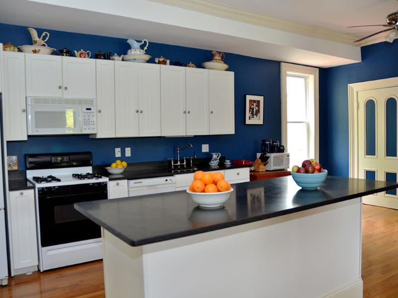 Great Room / Kitchen 30 x 30