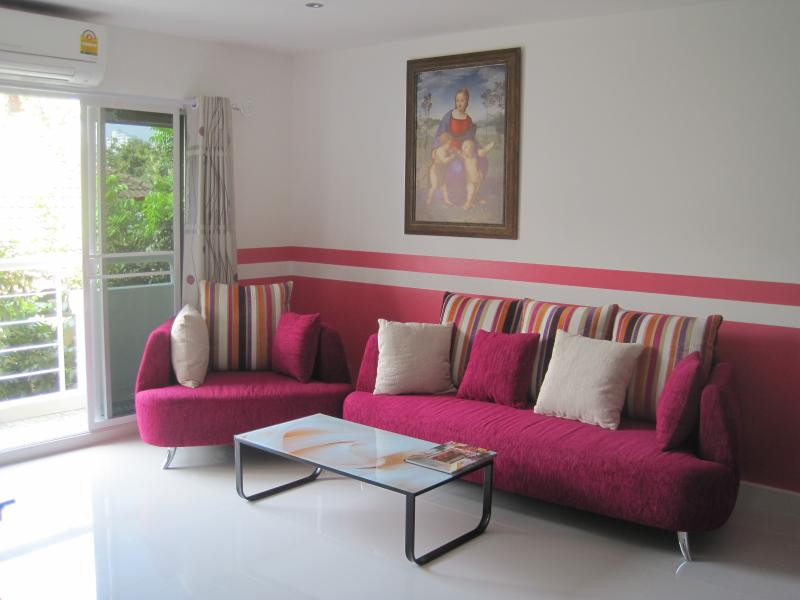 LABA PLACE CONDO / SILOM.SATHORN /LOGEMENT DE 54M2, holiday rental in Phra Pradaeng