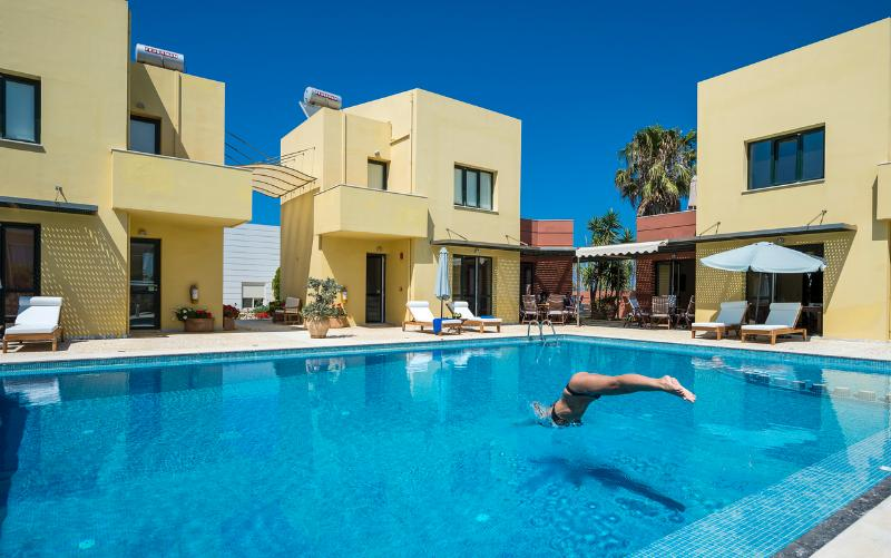 Beach,Pool,Seaview,Daphnis-Villa 1, vacation rental in Manoliopoulo