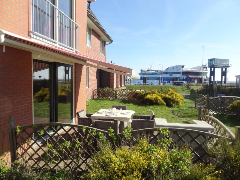 'FLEVO 1'  Beautiful apartment at the sea, holiday rental in De Cocksdorp