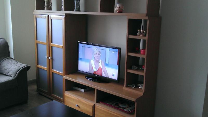 Salon con pantalla TV