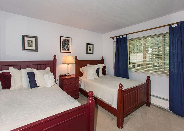 Upstairs room with 2 double bed perfect for a night all together
