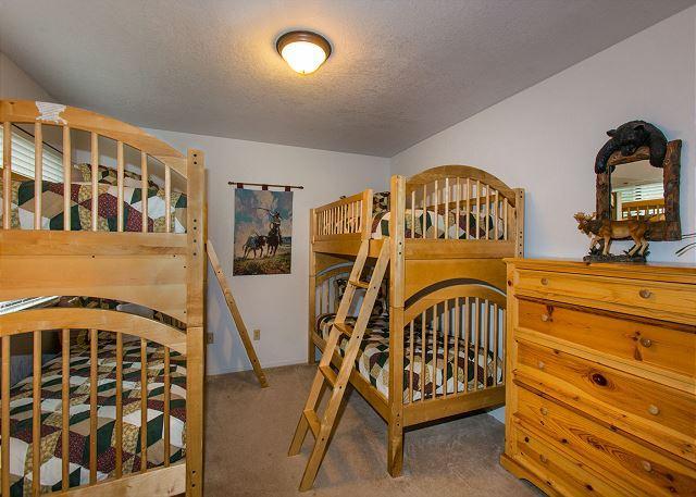 chambre à l'étage parfait pour tous les enfants !!