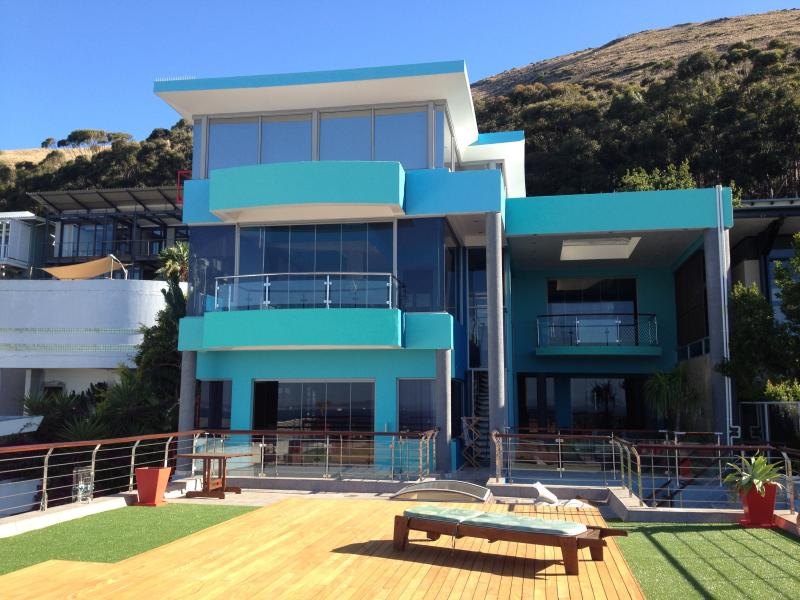 Villa Oceanic - on top of Cape Town with the best views in town!