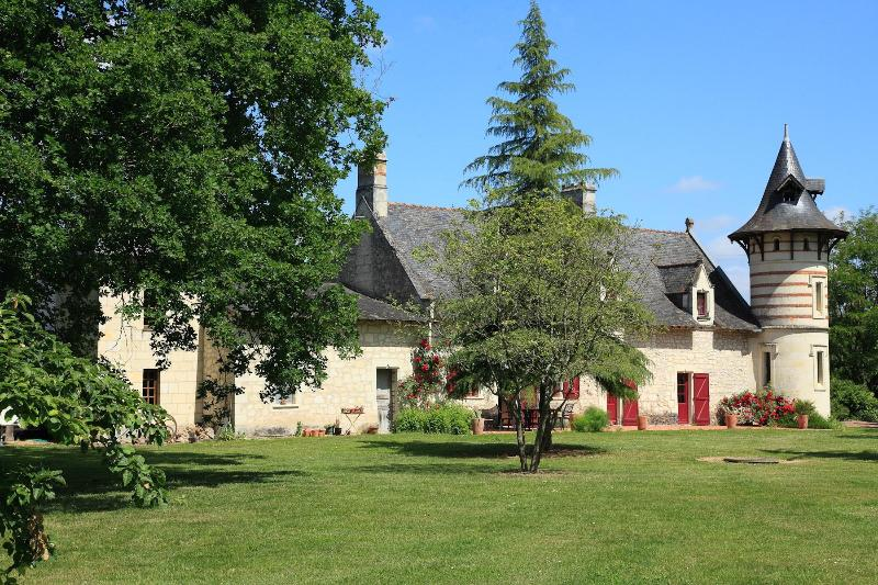 gîte paille de chanvre, holiday rental in Jarze