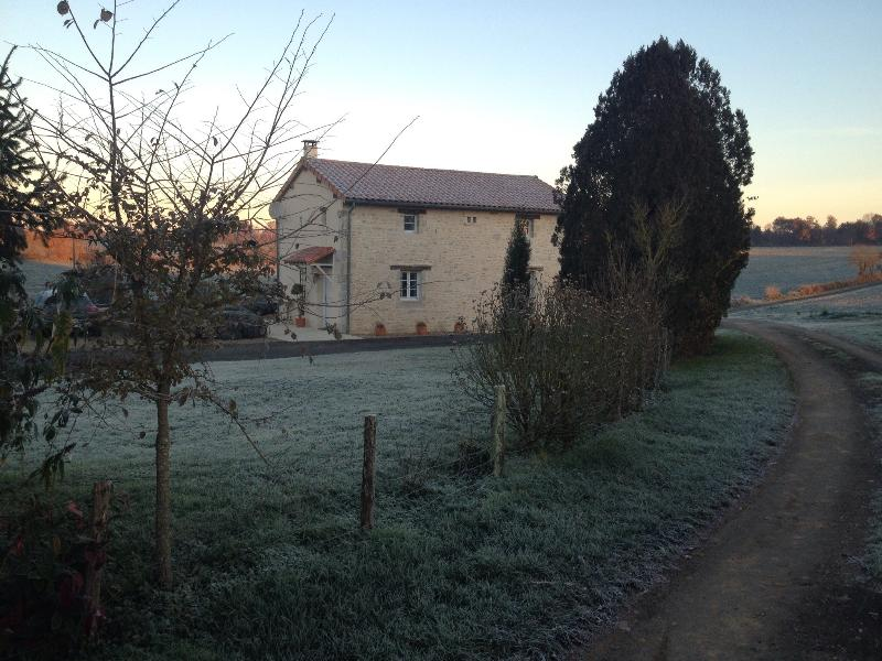 Lovely gite with great views, holiday rental in Champagne Mouton