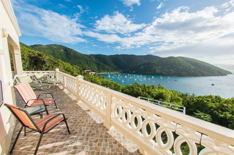 Ocean View Villa!!! 2 bedrooms, 2 Bathrooms ( sleeps 4 to 6 )., holiday rental in British Virgin Islands