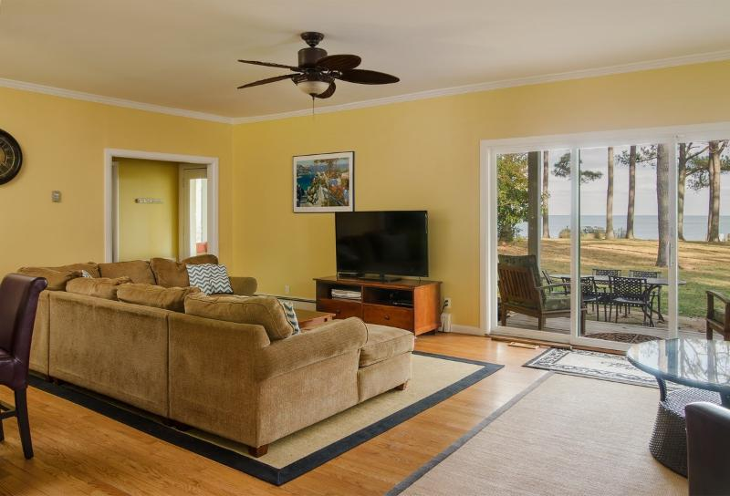 Great room overlooks bay with 55-inch HDTV