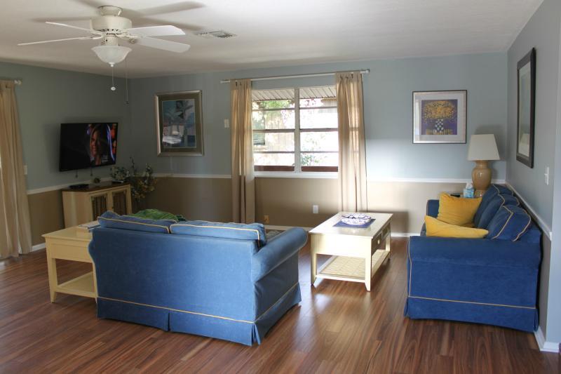 Vista de sala de estar de la cocina