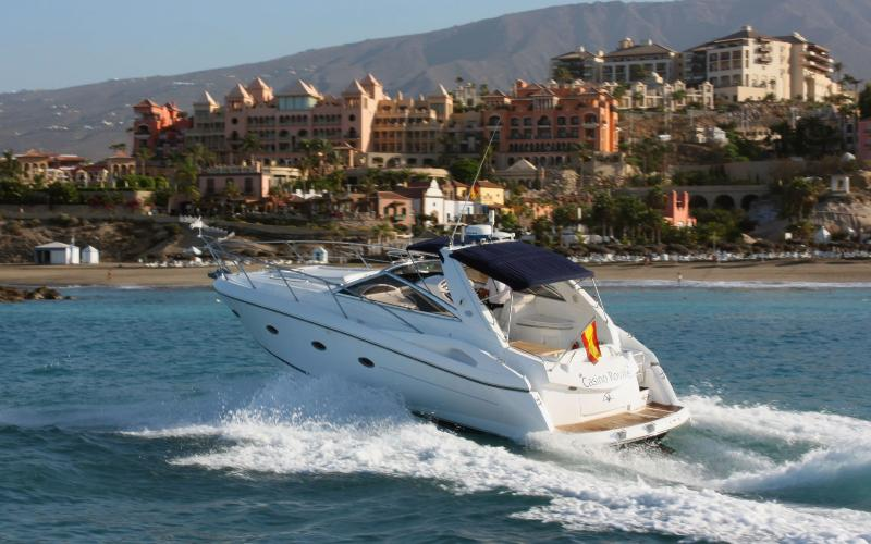 The Paramount or Yacht sleep up to 4, holiday rental in Los Cristianos