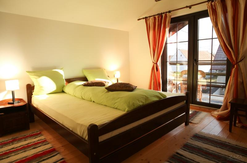 double room with matrimonial bed and balcony