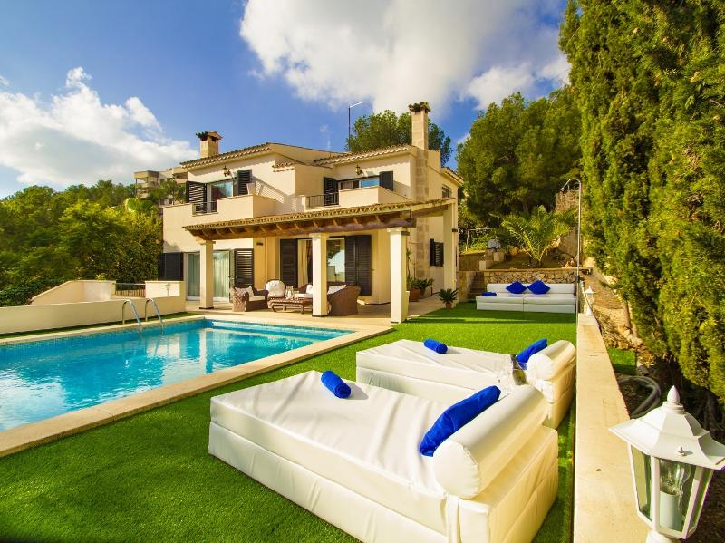 I'm sure you'll enjoy a good holiday in our villa. We'll be happy to help you in whatever you need