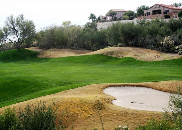 Second Floor Condo with Golf Course Views, holiday rental in Tucson