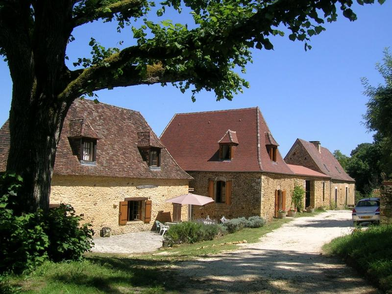 SCARPAT PROPERTY : THE PERFECT PLACE IN DORDOGNE TO HOLIDAY ALL TOGETHER!, location de vacances à Alles-Sur-Dordogne