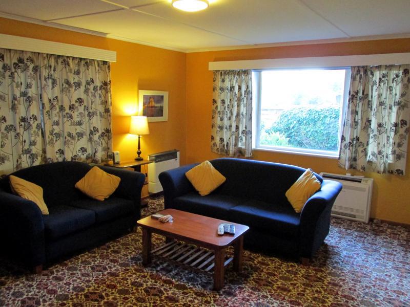 Coromandel Haven, holiday rental in Port Charles