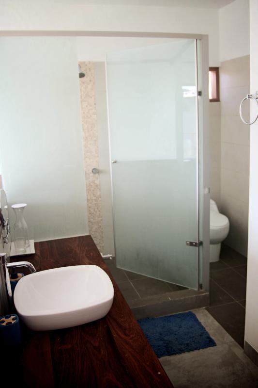 Baño Dormitorio Matrimonial 2