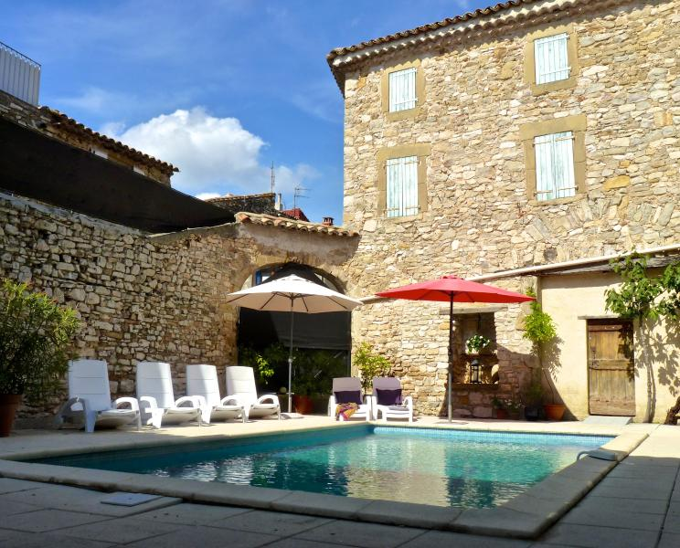 L'Autre Maison offers a beautiful, large courtyard including swimming pool with sun filled terraces.