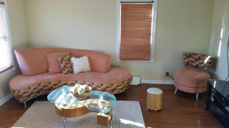 Beautiful 2 Bedroom Modern Apartment Near NYC, alquiler vacacional en Garfield