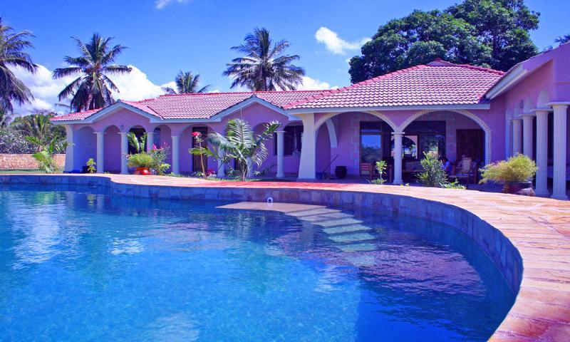 Waterfront Villa-Mombasa North Coast-pool/staff, holiday rental in Vipingo
