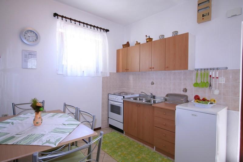 Holiday home 172221 - Studio apartment 185001, casa vacanza a Soline