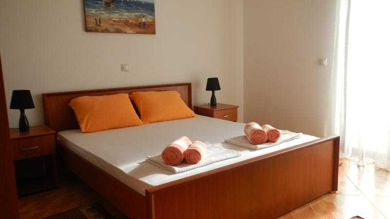 Apartments StellaMaris.Me Quad Room №3, holiday rental in Donji Stoj