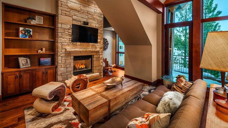 Living room with gas fireplace, HDTV w/cable, Apple TV, Netflix, stereo & more