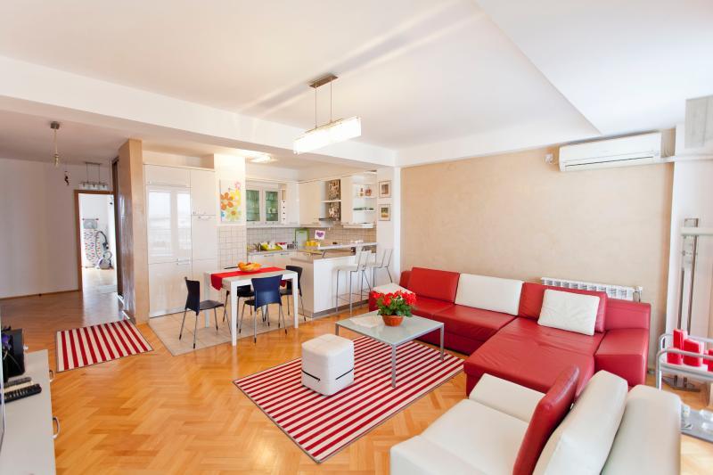 Exclusive apartment Skopje Center, alquiler vacacional en Dolna Matka