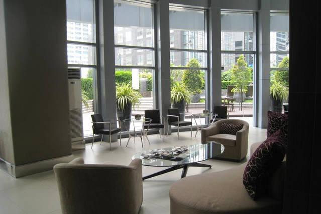 Lobby area with free WIFI