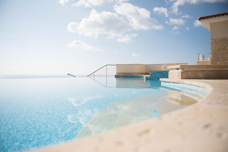 Mi décembre ! 72 degrés ! Automne, hiver et printemps sont des moments fabuleux pour visiter Chypre ensoleillée.