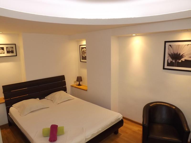 Korona Old Town Apartments - Dalles Suite, location de vacances à Bucarest