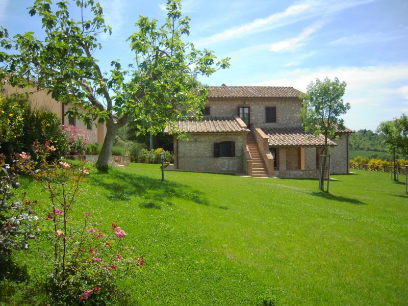 Casa Vacanze Il Pozzo - Appartamento Lavanda, vacation rental in Lugnano in Teverina