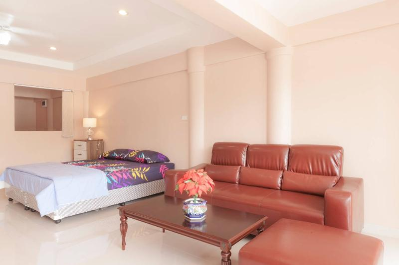Comfortable, Calm & Cute Apartment, casa vacanza a Ya Nui