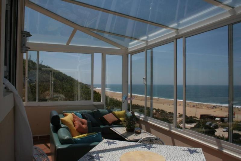 House Over The Ocean Superb Position, vacation rental in Nazare