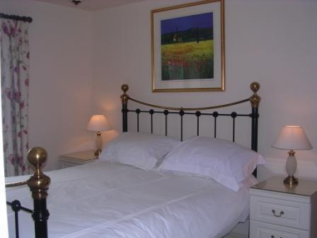 Good quality beds and linen & towels included, en suite shower room