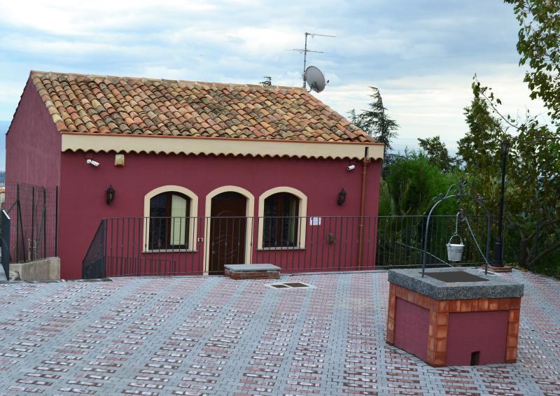 CASA PALMENTO, holiday rental in Sant'Alfio