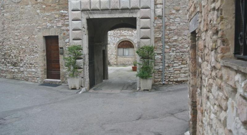 Anfihouse Assisi, Ferienwohnung in Ponte Grande