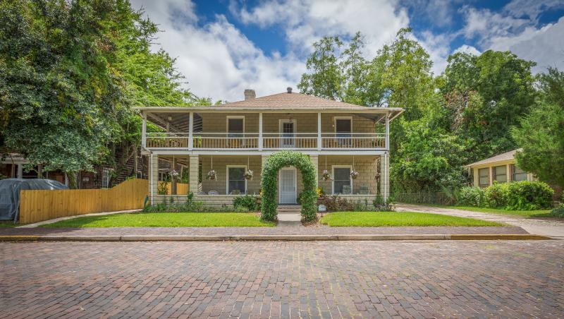 Historic Downtown Vacation Rental - Oviedo House – semesterbostad i Saint Augustine