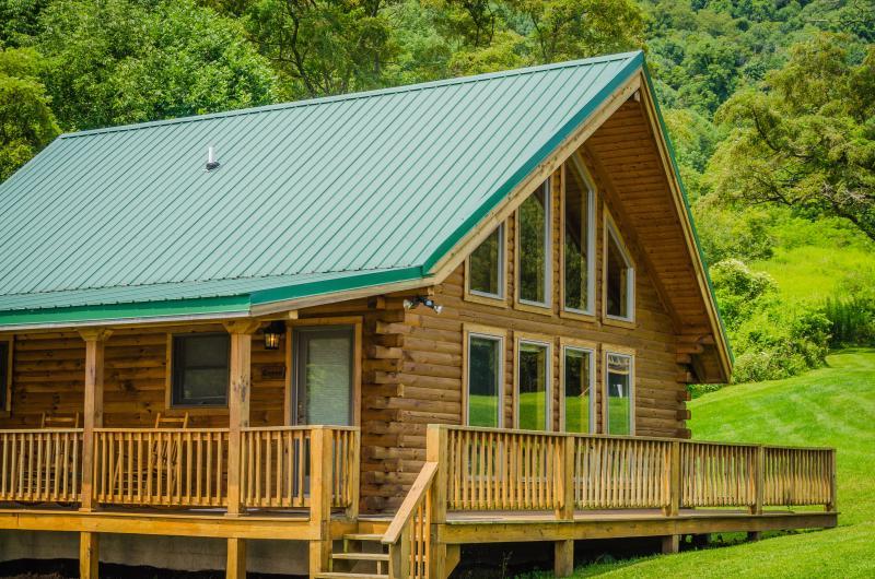 luxury cabin & wrap around deck