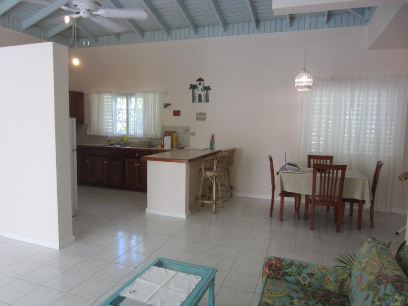 Large fully equipped open kitchen - dine in or on Veranda.