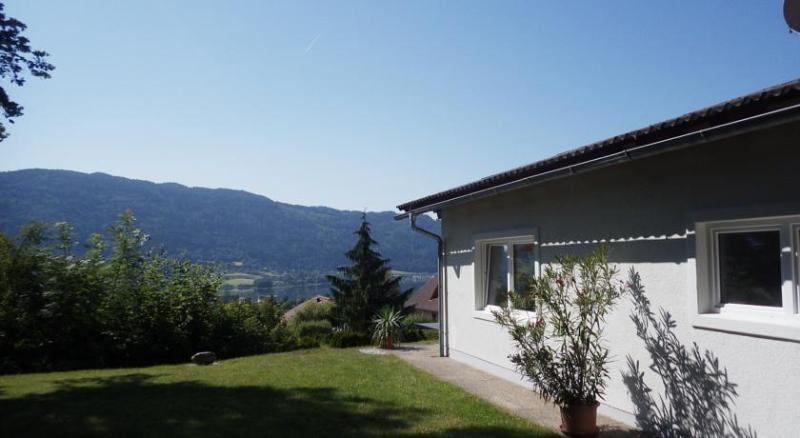 Bungalow Seeblick Ossiacher See, holiday rental in Bodensdorf