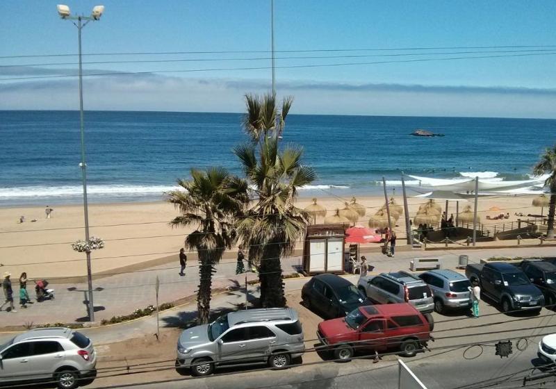 Departamento Primera Línea Frente Playa Reñaca, location de vacances à Renaca