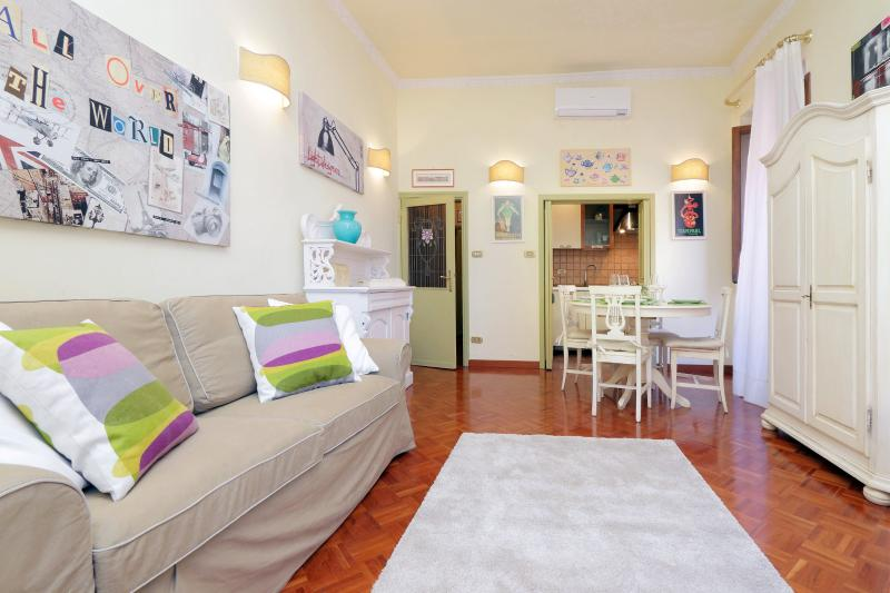 Luxury  Terry's house FREE WI FI !!, vacation rental in Olgiata
