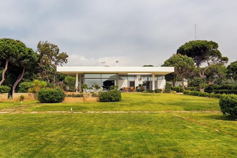 Villa Hoopoe - a stunning residence, vacation rental in Marathon