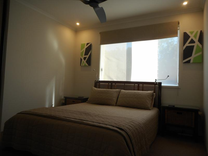 Queen Bedroom with TV, Dvd and Air Conditioning.