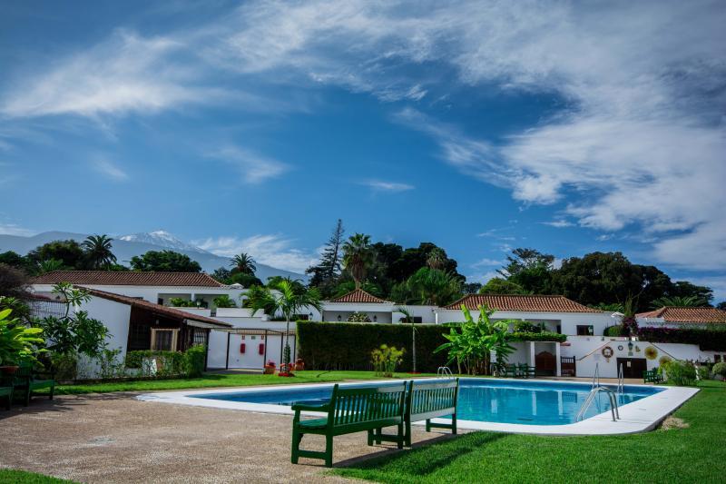 Quiet Apartment in Parque Tajinaste, vacation rental in Puerto de la Cruz