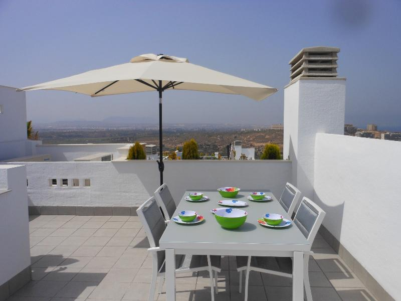 Dine 'al fresco' on the large roof top solarium